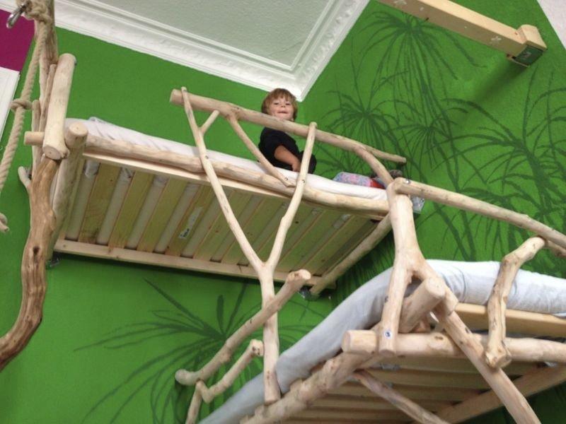 Кровать для ребенка из дерева своими руками
