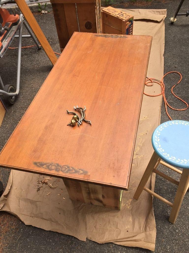Изготовить кухонный стол своими руками
