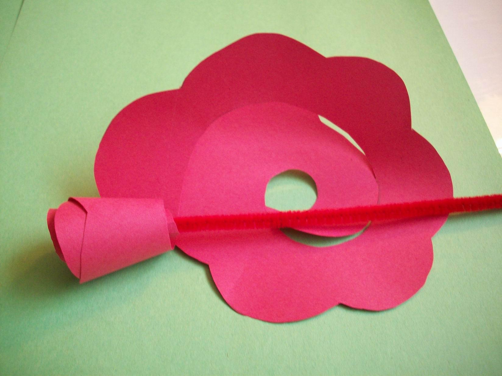 Как сделать быстро простую розу из бумаги