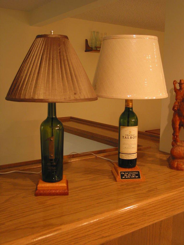 Настольный светильник своими руками из подручных материалов 38
