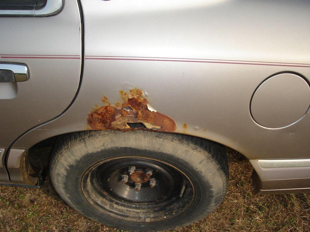 Как зачистить машину от ржавчины своими руками 494