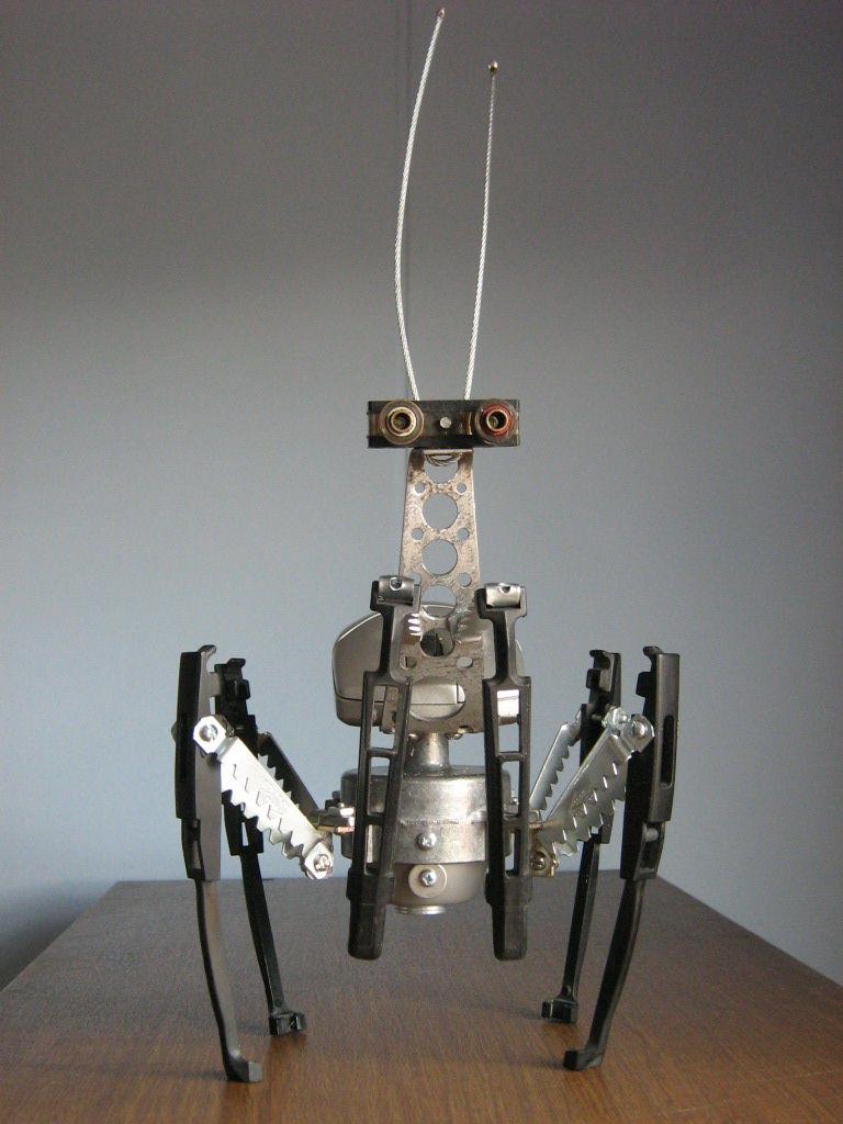 Мини-роботы из электронных деталей своими руками 82