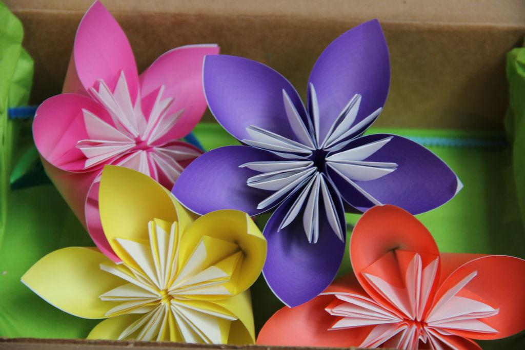 Цветы для поделок из бумаги 62