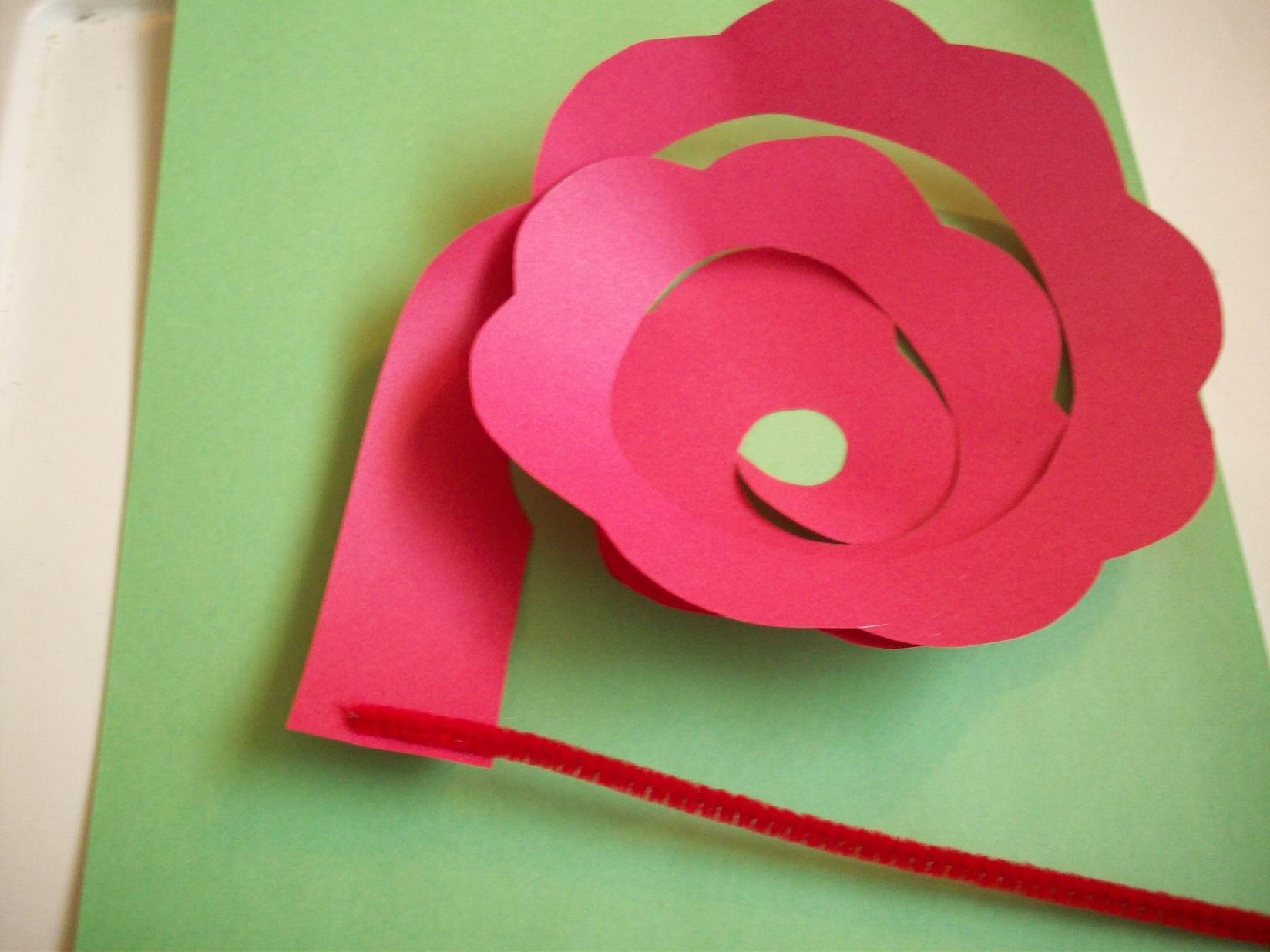 Аппликация розы из бумаги своими руками