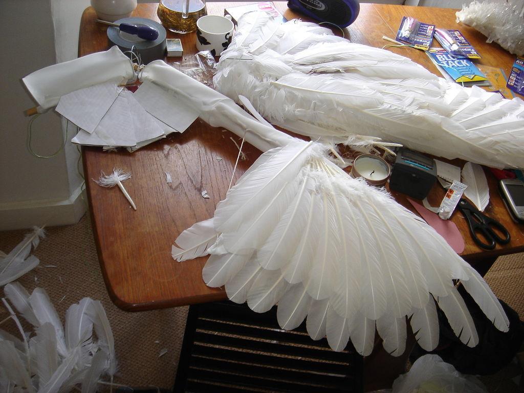 Как сделать с перьев крылья ангела