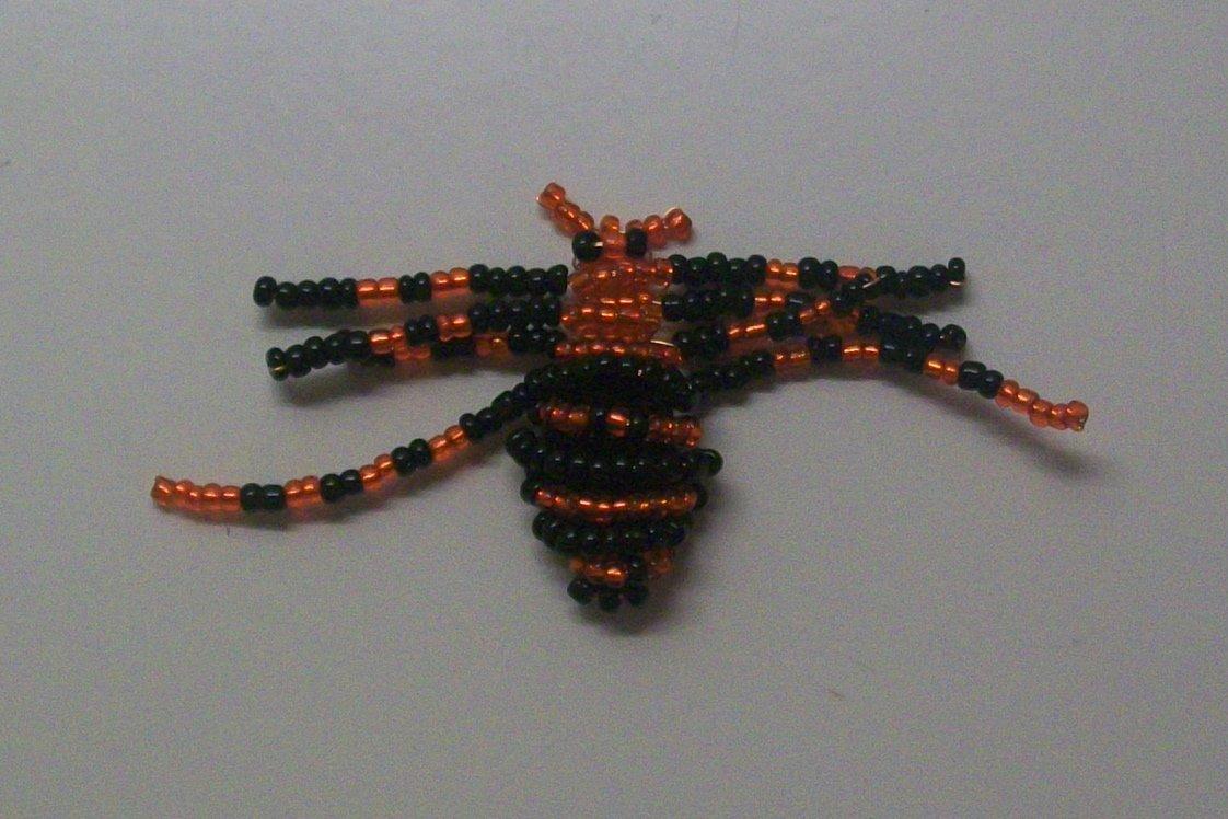 Сделать паука из бисера своими руками 70