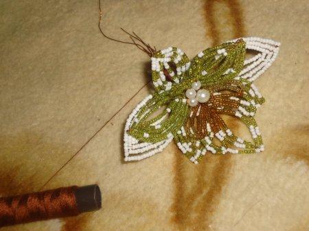 Орхидея из бисера, Бисероплетение