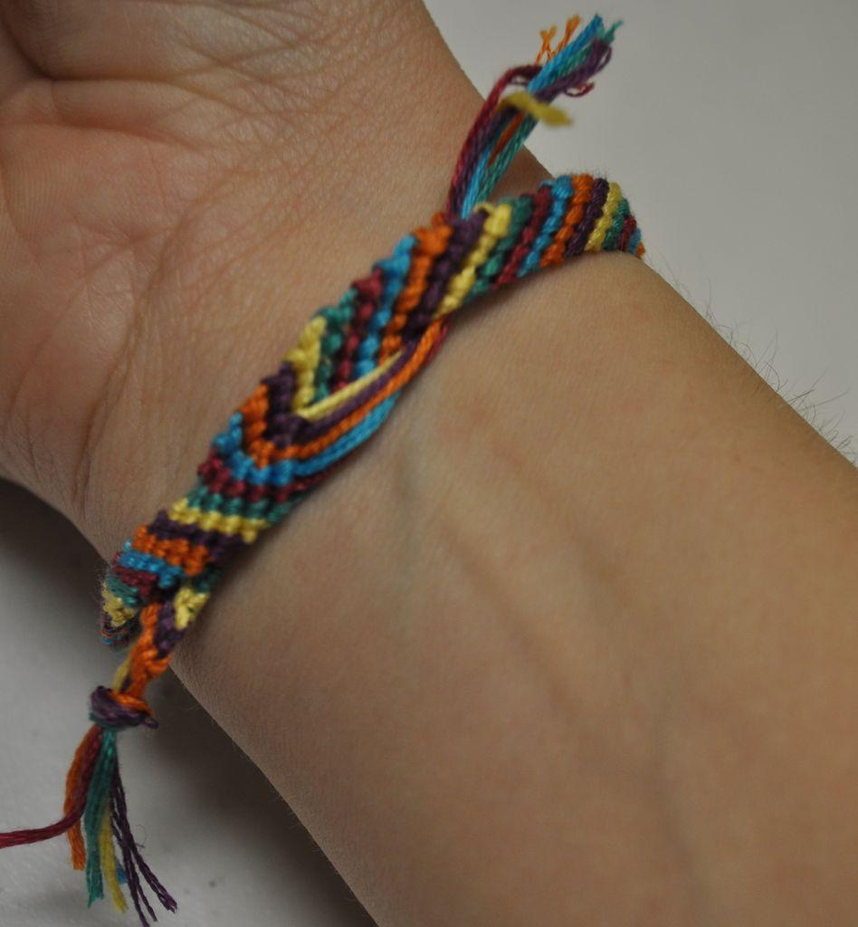 Цветные браслеты своими руками 604